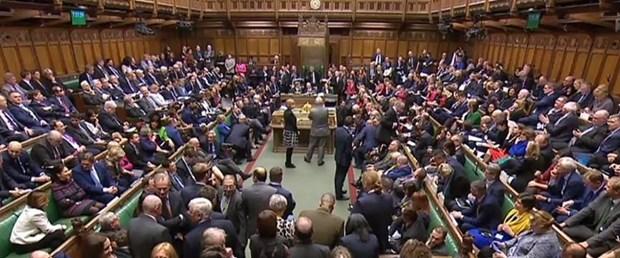 ingiltere parlamento.jpg
