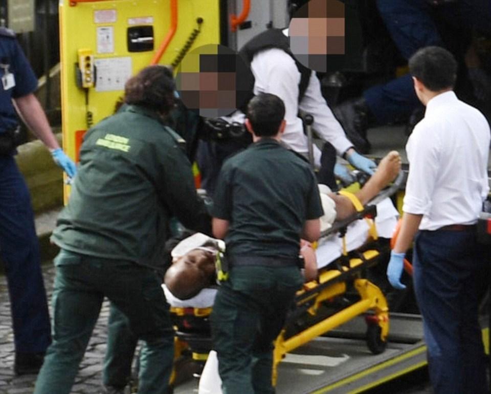 Saldırgan, güvenlik güçleri tarafından etkisiz hale getirildi.