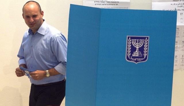 Başbakan Netanyahu'nun en tehlikeli rakibinin, eski yardımcısı Yahudi Evi Partisi lideri Bennett olduğu belirtiliyor.