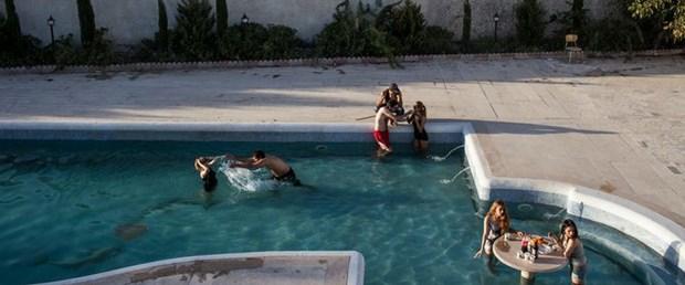 iran havuz parti gözaltı100817.jpg