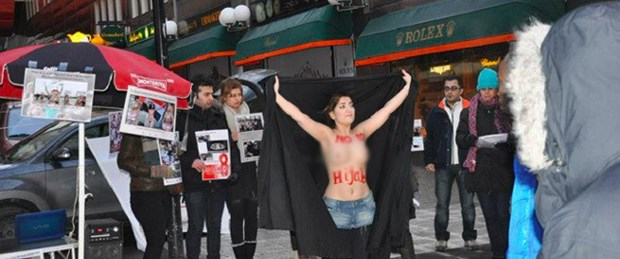 İranlı kadından çıplak gösteri