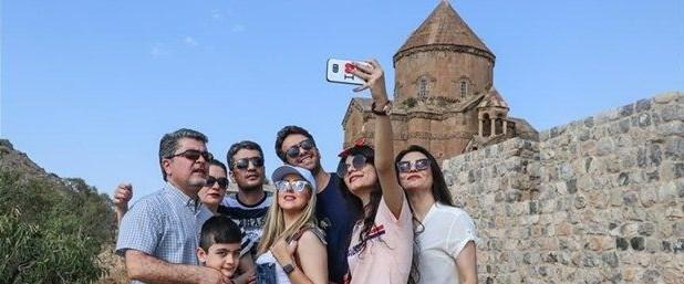iranli-turistler-vana-akin-etti,C2KxsIuZrkyn0O8XerWekw.jpg