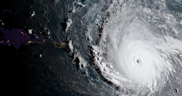 Son günlerde özellikle Karayip bölgesini etkisi altına alan Irma kasırgası.