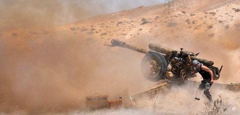IŞİD, antik kent Palmira'yı ele geçirmek için büyük saldırı başlattı.