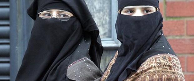 İspanya burka ve peçeyi yasaklamadı