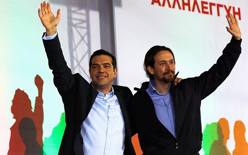 Syriza'nın çizgisinden giden İspanyol parti Podemos'un 36 yaşındaki lideriPablo Iglesias, YunanistanBaşbakanıAleksis Çipras ile birlikte