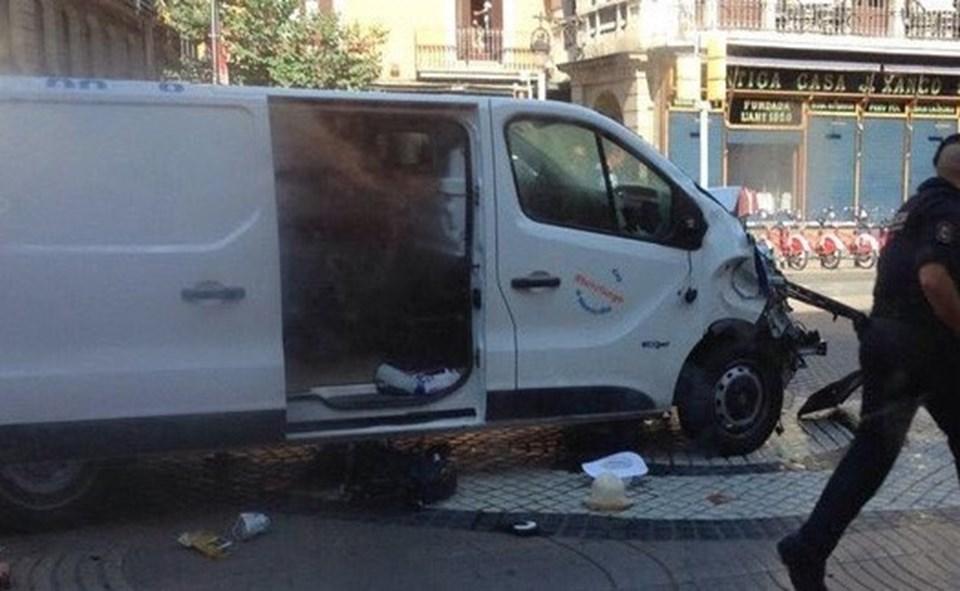 Saldırganın kullandığı belirtilen minibüs