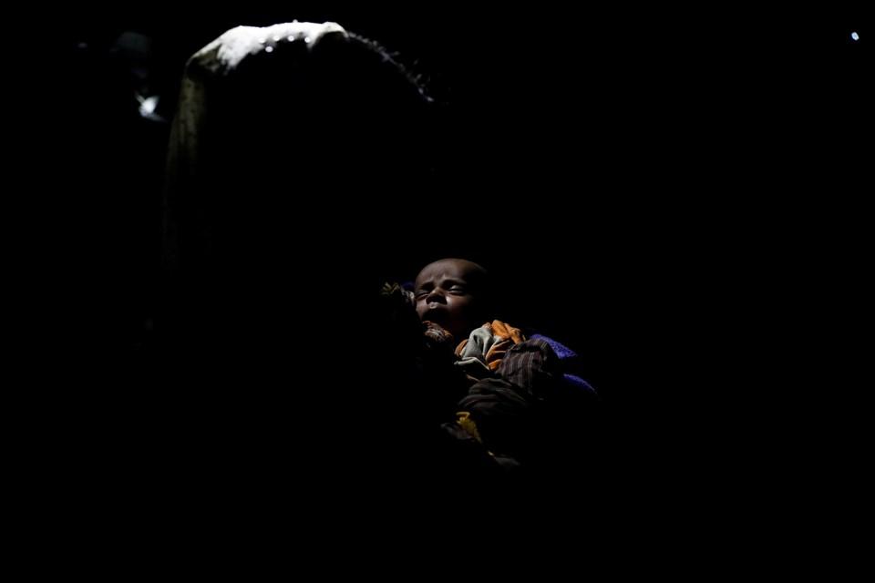 Yüzbinlerce kadın ve çocuk şiddet olayları nedeniyle yaşadıkları toprakları terketmek zorunda kaldı.