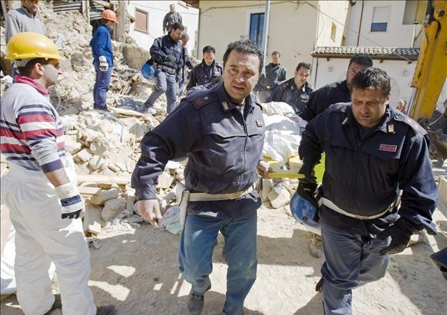 İtalya depremle sarsıldı