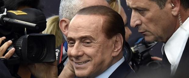İtalya'da Berlusconi'den quot cumhurbaşkanlığına quot yeşil ışık