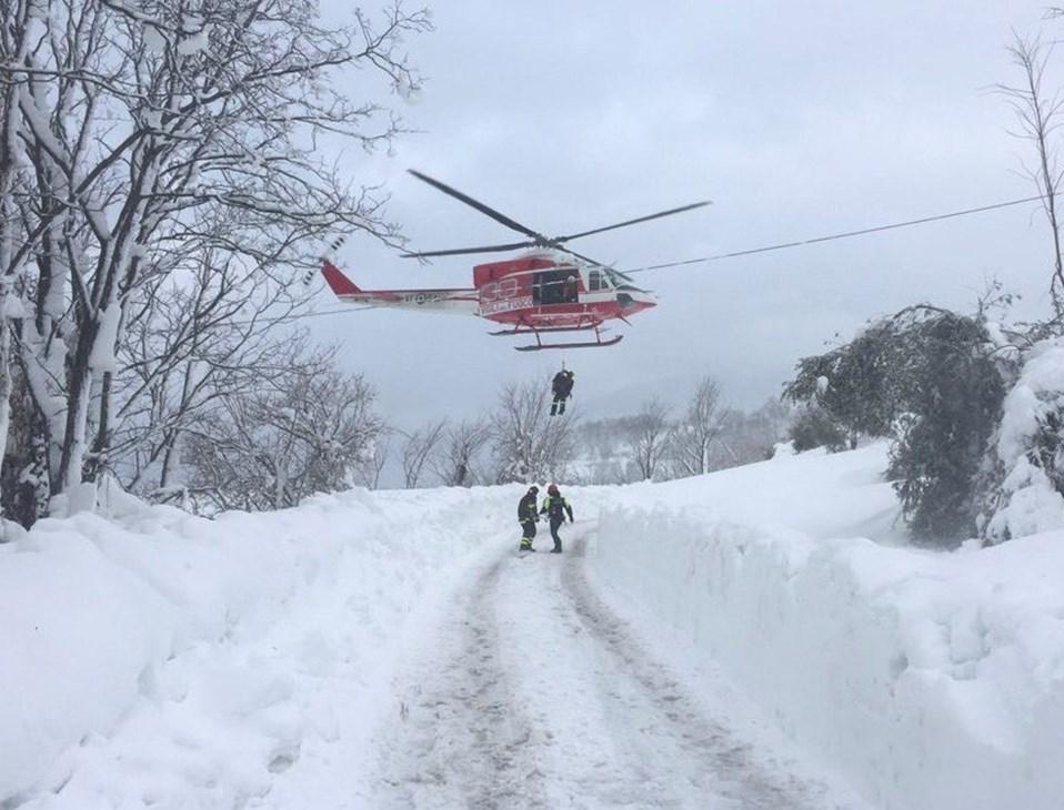 İtalyan Sivil Savunma Genel Müdürü, dün yaptığı açıklamada arama-kurtarma çalışmalarının çok güç koşullara rağmen sürdüğünü söylemişti