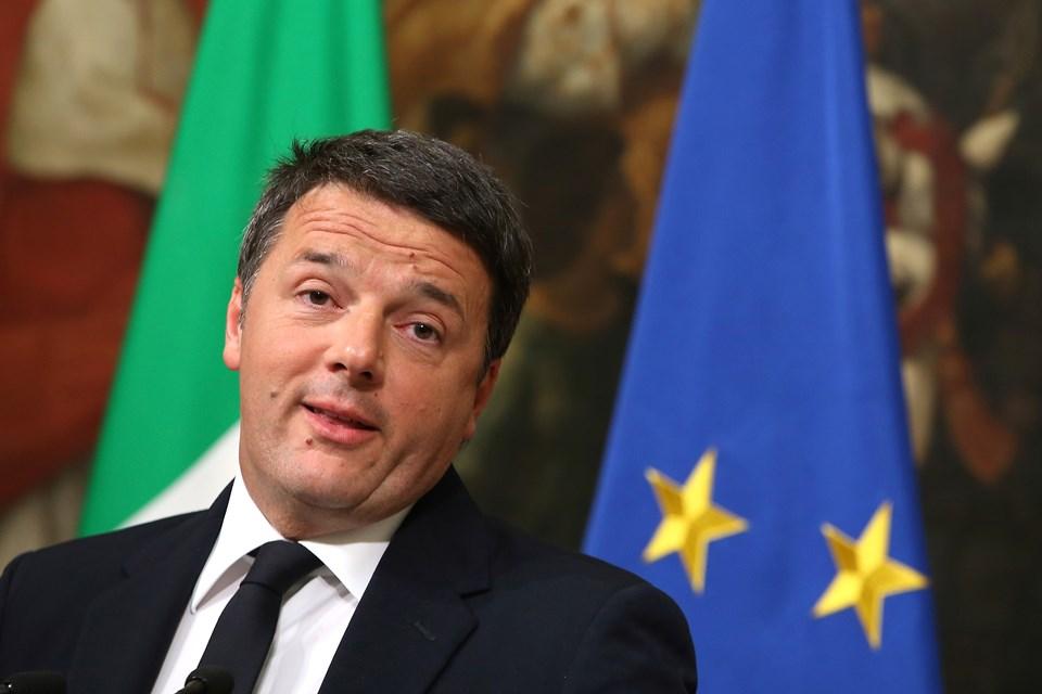 Başbakan Matteo Renzi referandum sonrası istifa etmişti.