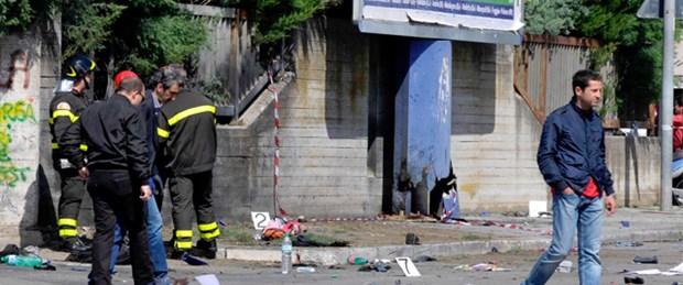 İtalya'da okula bombalı saldırı