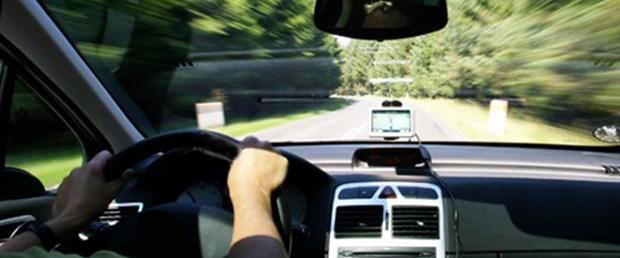 direksiyon-trafik-yol-hız-260915.jpg
