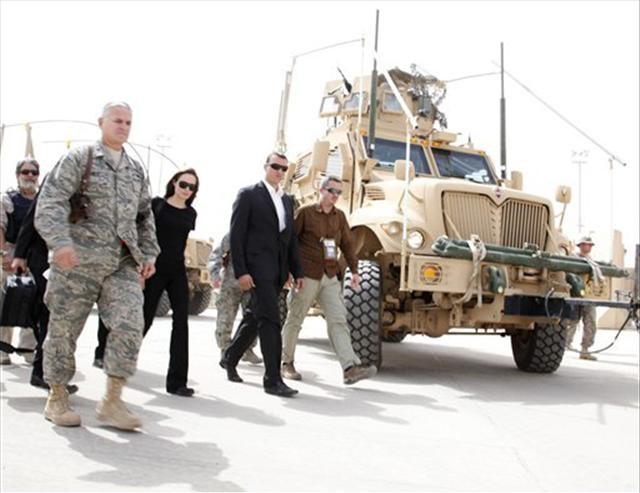 Jolie yine Irak'ta