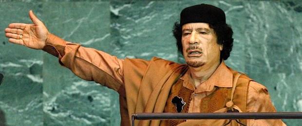 Kaddafi 1 milyon kişiye silah dağıtıyor