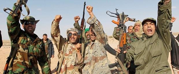 'Kaddafi askerlerine Viagra dağıtıyor'