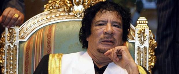 Kaddafi bir yere gitmiyor
