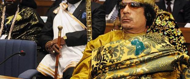 Kaddafi ile çalışan herkese siyasi tecrit