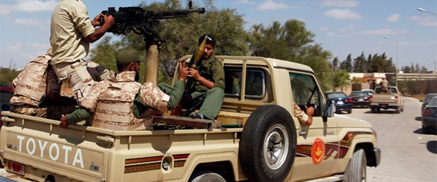 Kaddafi'nin kalesine kuşatma