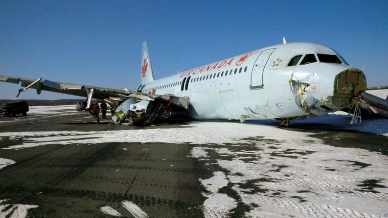 Yolcu uçağı 300 metre sürürlendi