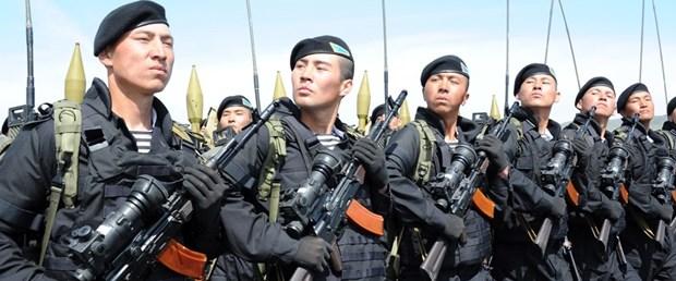 kazakistan asker suriye230617.jpg