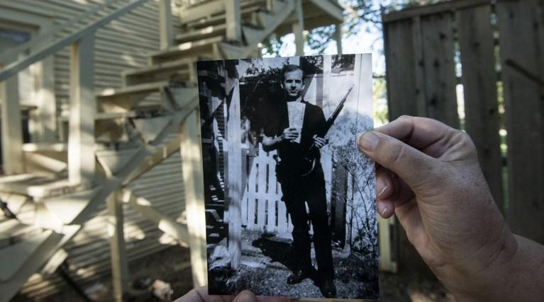 ABD eski Başkanı John F. Kennedy'ye suikastı gerçekleştiren Lee Harvey Oswald da öldürülmüştü.