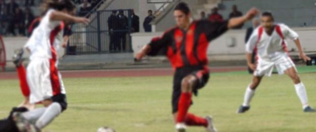 Kıbrıs 'futbol'da birleşecek