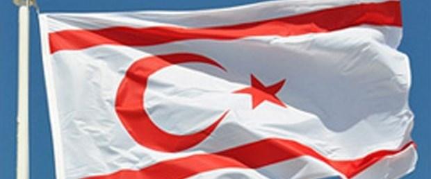kıbrıs bayrak.jpg