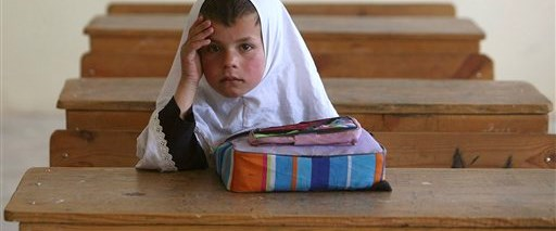 Kız okulları havaya uçuruldu