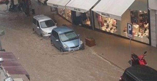 KKTC'de yoğun yağış su baskınlarına neden oldu