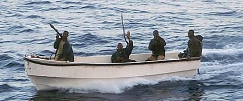 Korsanlar ABD'li 2 denizciyi kaçırdı