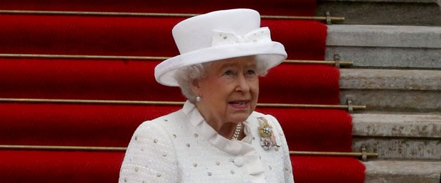 kraliçe elizabeth.jpg