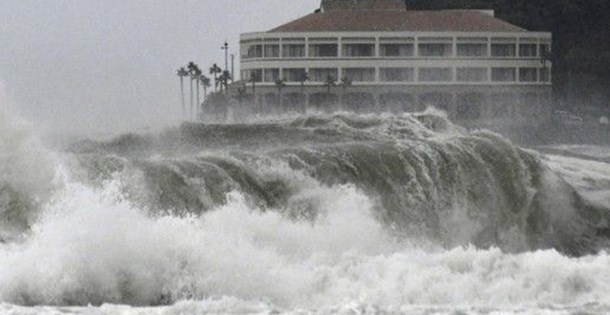Krosa tayfunu Japonya'yı vurdu: 3 ölü, 50 yaralı