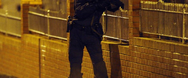 Kuzey İrlanda'da bu kez polis öldürüldü