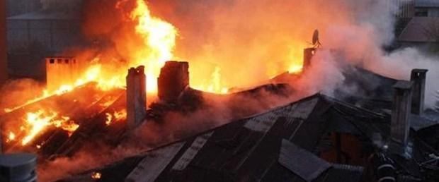 kartal yangın çatı160917.jpg