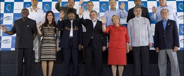 Latin Amerika zirvesine Küba damga vurdu