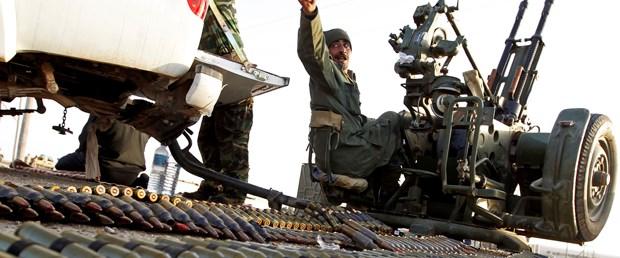 Libya'da isyancıların lideri öldürüldü