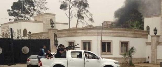 Libya'da parlamento askıya alındı