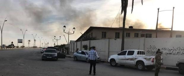 libya çatışma mitiga havalalanı150118.jpg