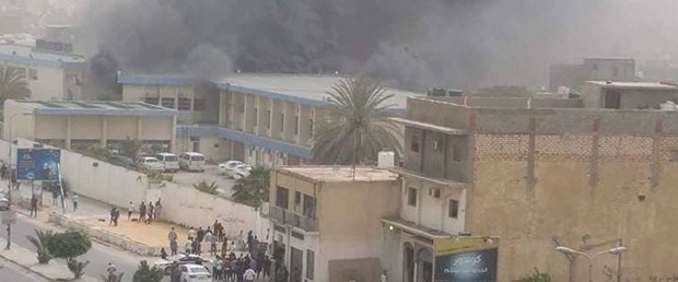 libya seçim bürosu saldırı020518.jpg