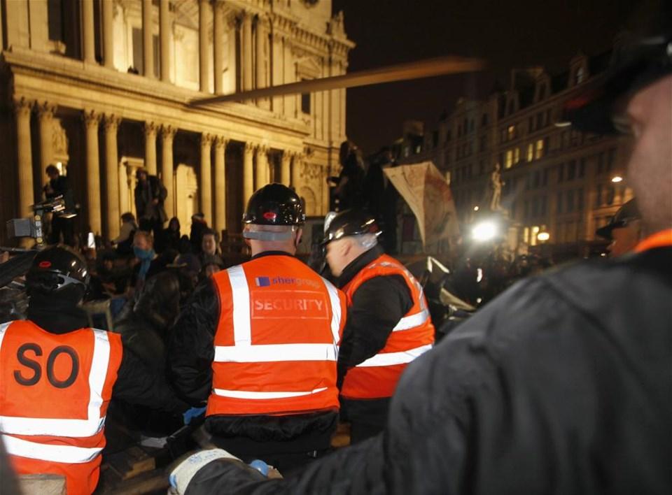 'Londra'yı işgal et'e müdahale