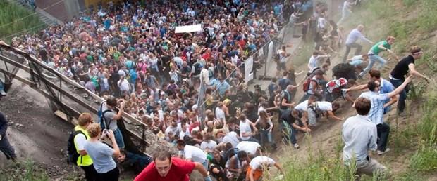 almanya duisburg love parade091217.jpg