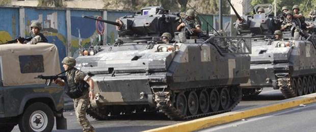 Lübnan'da ordu 'tank'la uyardı