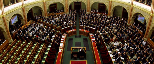 Macar anayasası artık daha muhafazakar