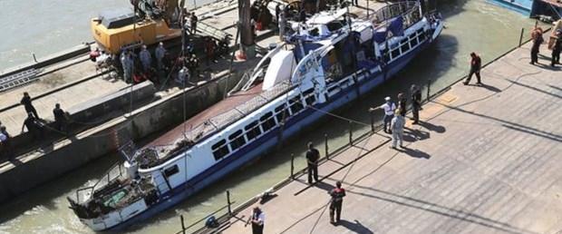 macaristan tuna nehri tekne110619.jpg