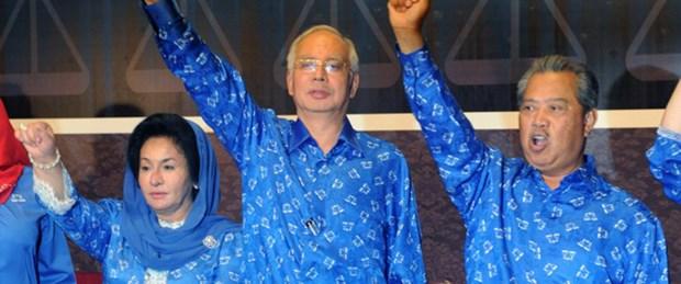 Malezya'da 56 yıllık iktidar değişmedi