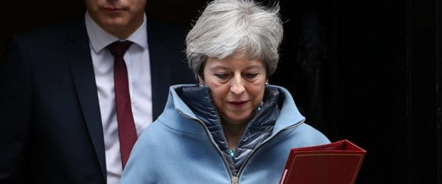 theresa may avrupa istifa brexit250319.jpg