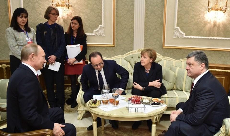 Ateşkes yürürlüğe girdikten sonra Merkel ve Poroşenko, Putin'i iki kez aradı. Ancak görüşmelerden bir sonuç çıkmadı.