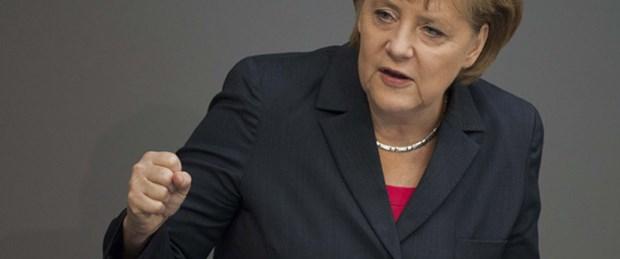 Merkel'den Euro Bölgesi'ne rest
